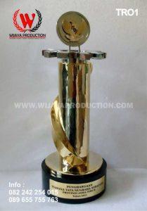 Piala Penghargaan Wahana Tata Nugraha