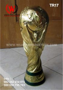 Replika Piala Dunia
