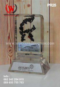 Plakat Resin Antam